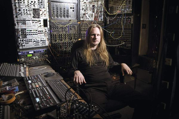 Venetian Snares wishes you happy Xmas with newSong