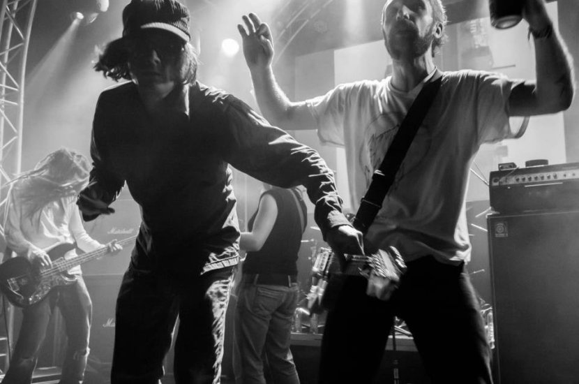 Noise, Politics, Riffs and Fuzz on newGNOD