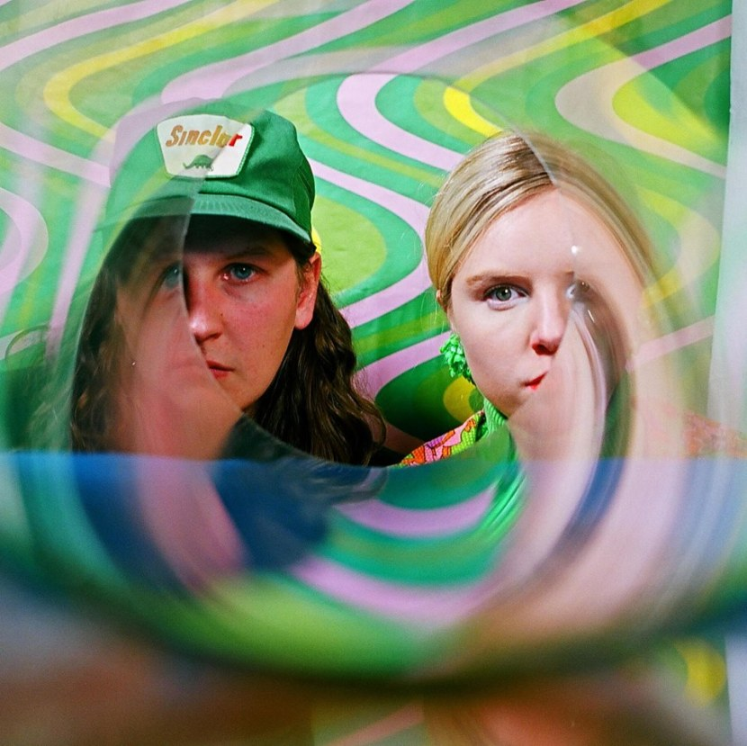 New Zealand two-piece psych band EarthTongue